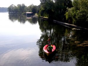 LocalnicI pescuind pe Lacul Snagov..